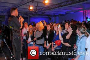 gary-barlow-gary-barlow-performing-a-private_4082413